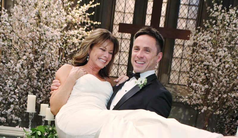 General Hospital Julexis wedding: William deVry, Nancy Lee Grahn, Lexi Ainsworth, Haley Pullos, Kelly Monaco, Ryan Carnes | Soaps.com