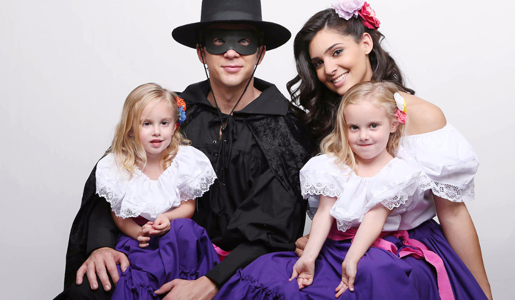 Chad, Gabi, and twins who play Arianna