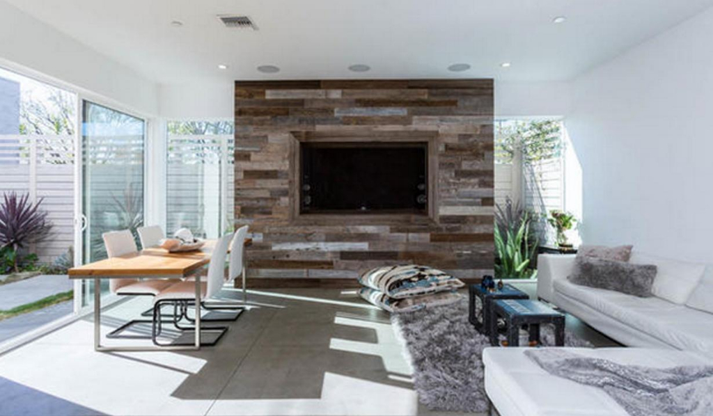Katherine Kelly Lang Glassell Park home
