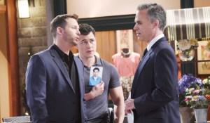 Paul and Brady question the pilot-Days-JJ
