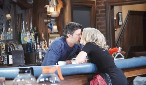 jen and eric making out at pub