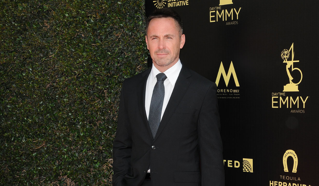 GH's William deVry