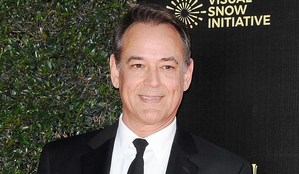 general hospital Jon Lindstrom in a dark foe