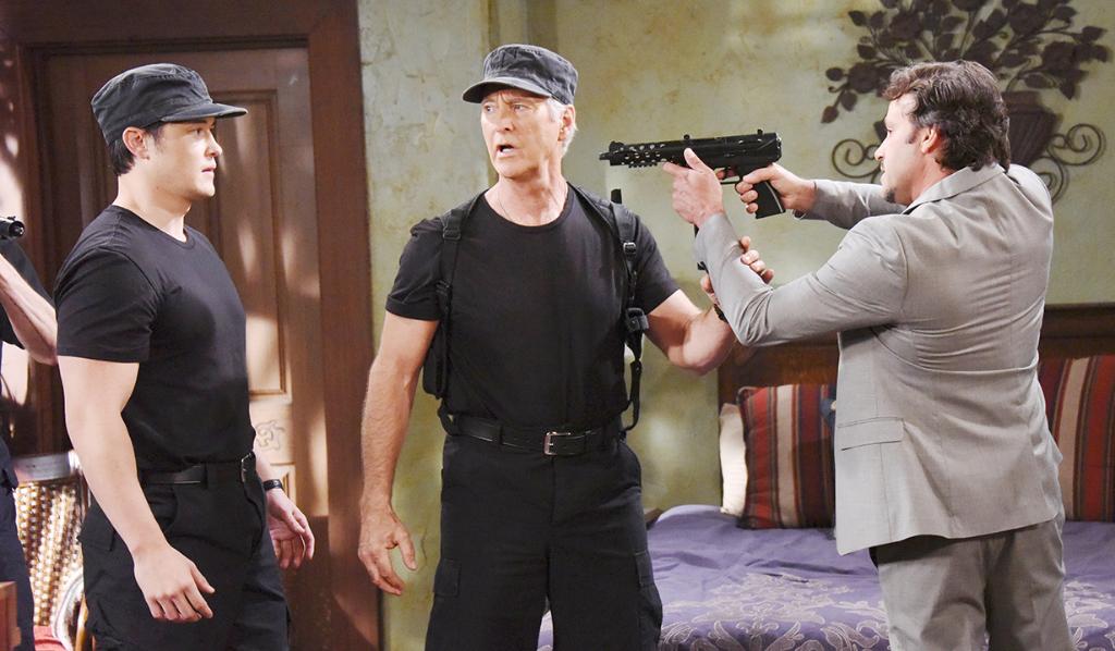 Mateo pulls a gun on Paul and John