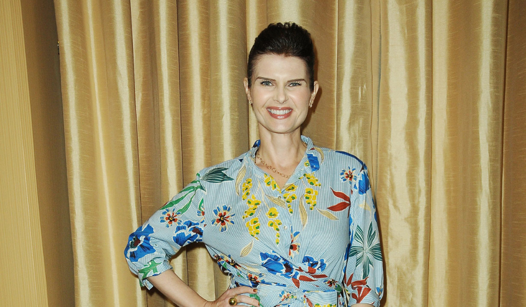 AMC's Carrie Genzel (Skye)