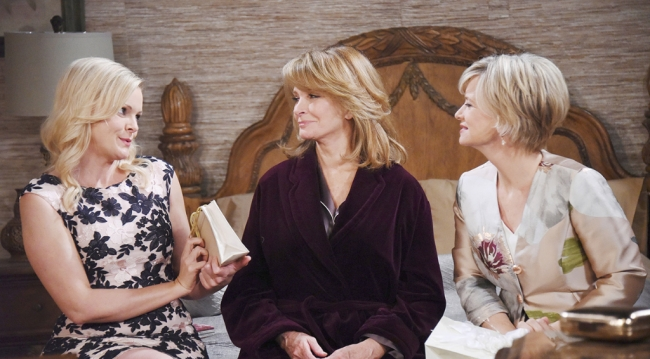 Belle, Kayla and Marlena before the wedding