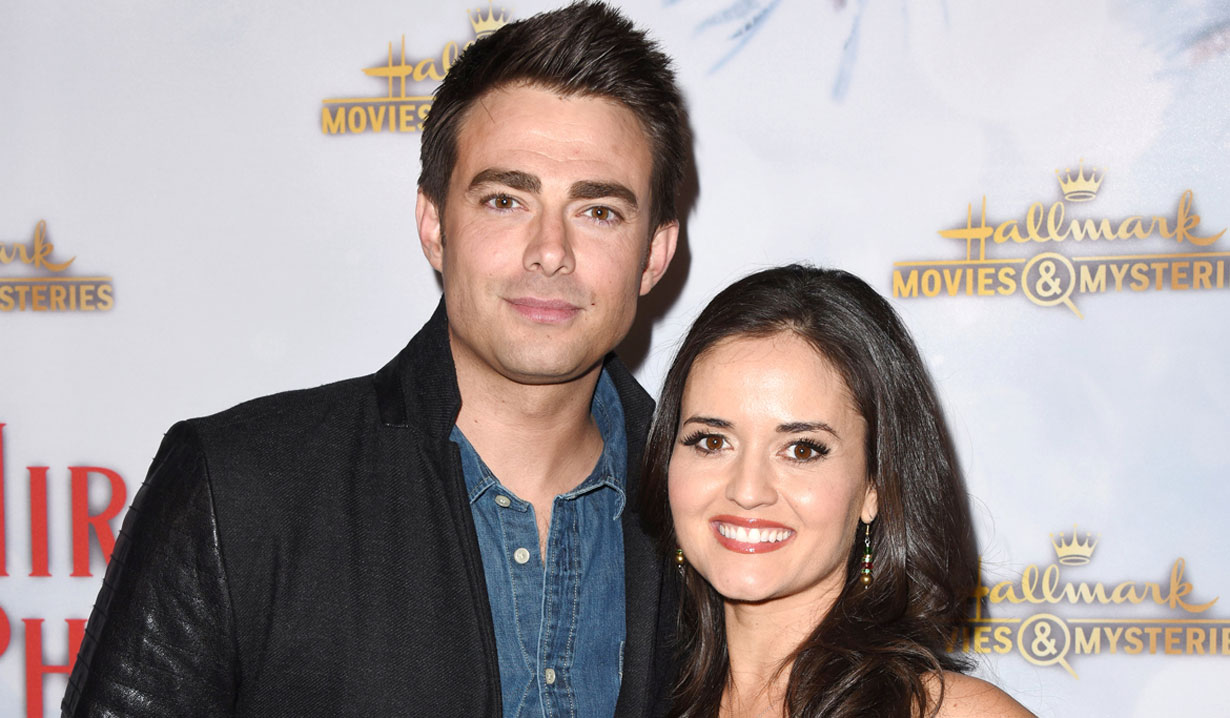 AMC alum Jonathan Bennett & Danica McKellar at holiday party 2018