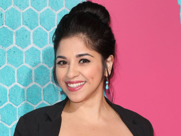 Noemi Gonzalez plays Mia Rosales on Y&R