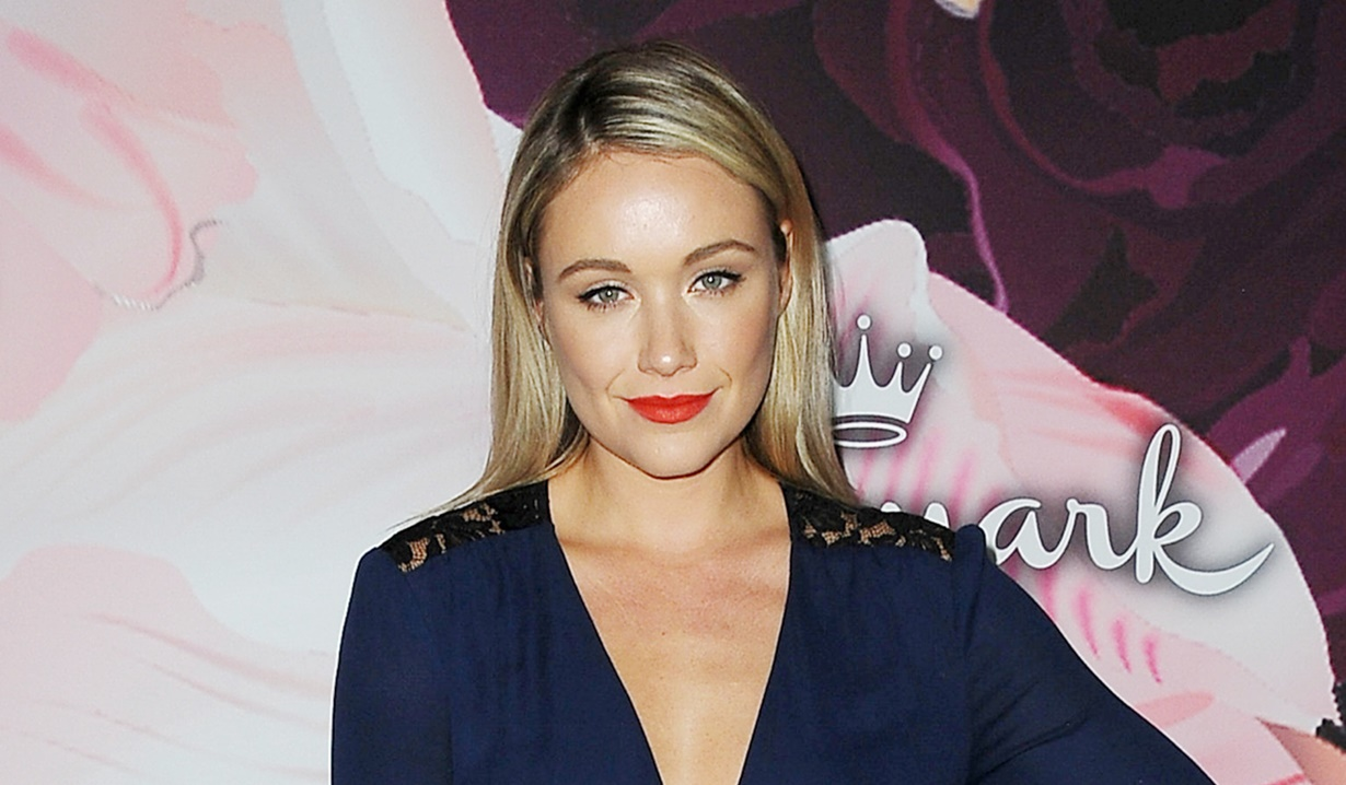 Katrina Bowden cast as an ex from the past