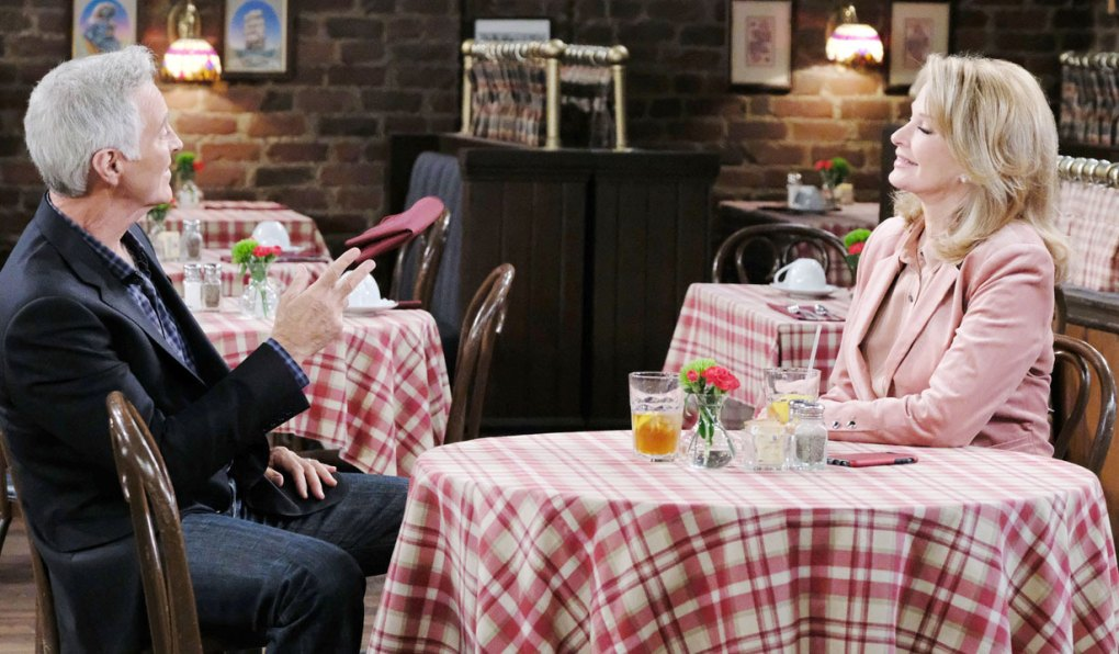 John and Marlena share romantic evening at the pub