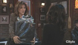Alexis shows Sam her gift GH