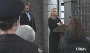 Laura is sworn in as mayor GH