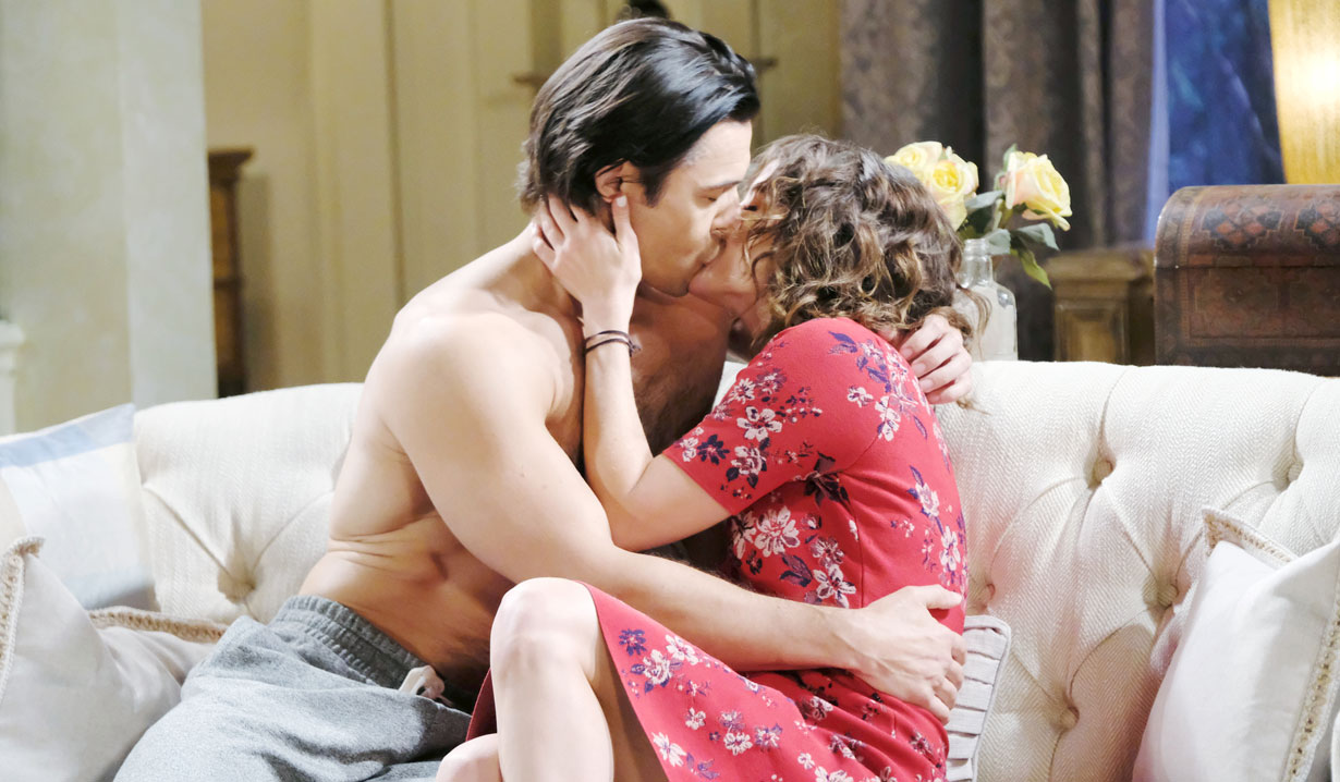 xander and sarah kiss on couch