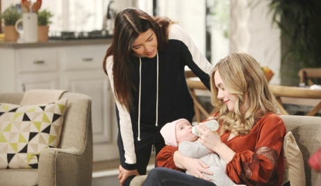Steffy watches hope with Phoebe
