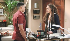 Zoe updates Xander on Reese