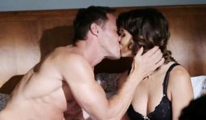 rex kisses sarah in bed