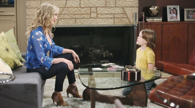 Donna talks to Will at home on Bold and Beautiful