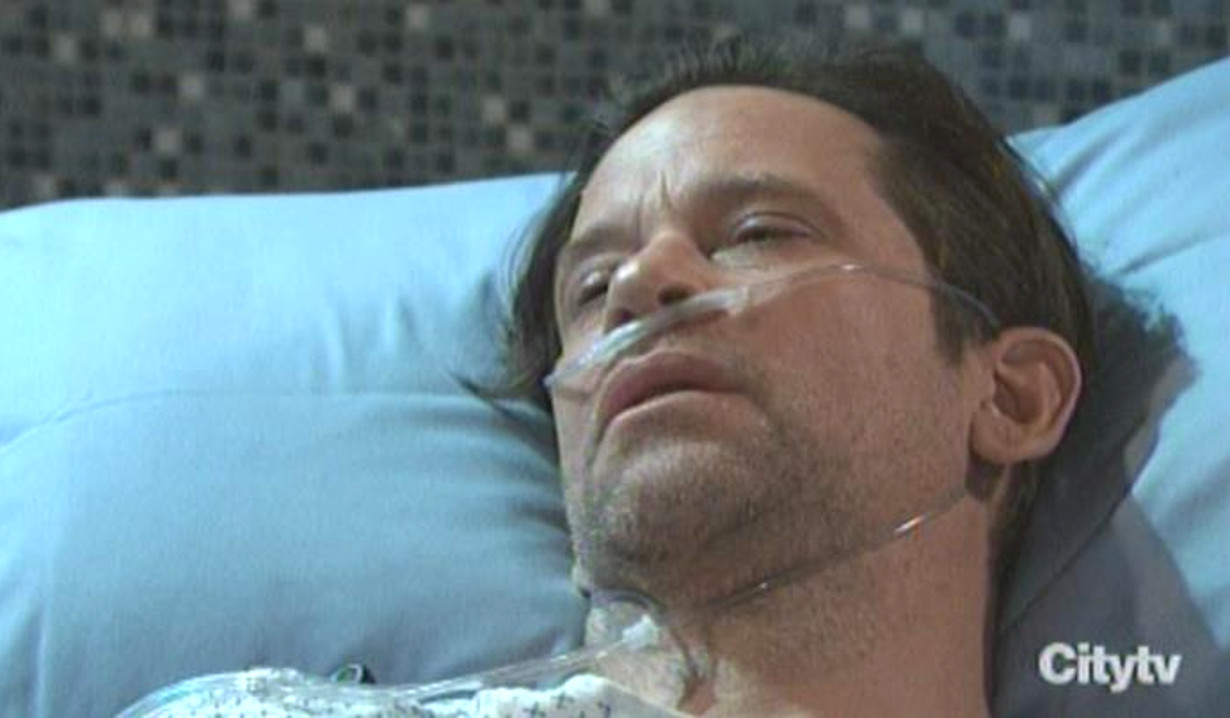 Franco wakes up GH