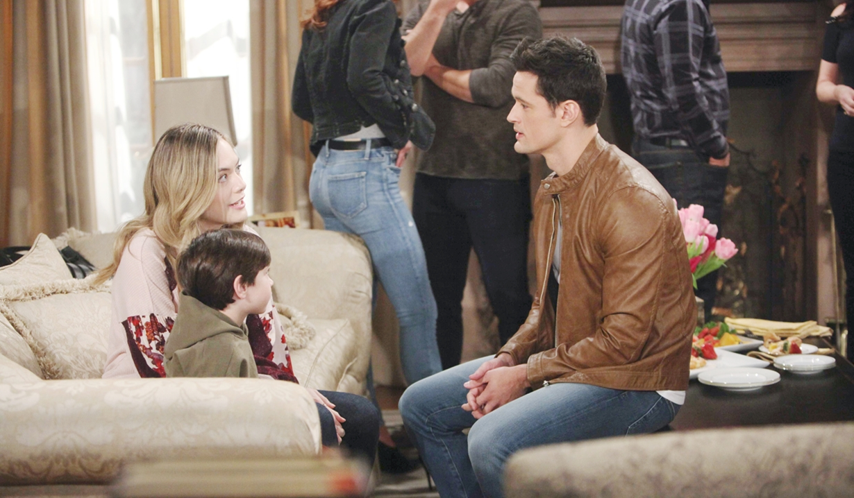 Thomas talks to Hope with Douglas on Bold and the Beautiful