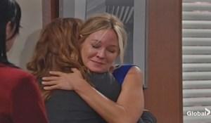 Mariah hugs Sharon