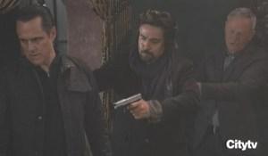 Robert saves Sonny GH