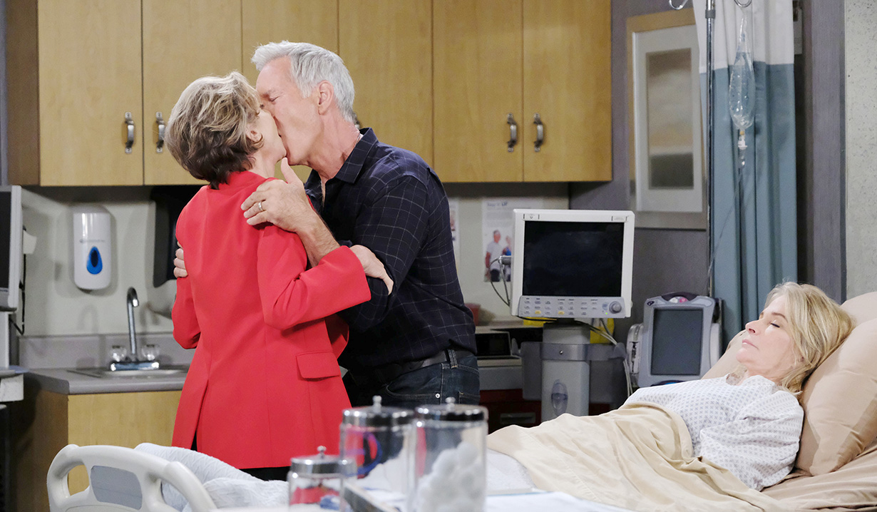 Diana Fantasizes John Kisses Her After Marlena Dies