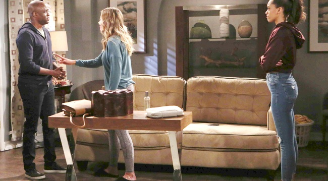 Photos of Zoe, Flow & Reese Arguing Over Confessing About Phoebe