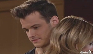 Kyle hugs Summer on Young and Restless