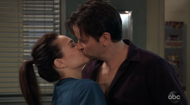 Franco and Liz kiss on General Hospita