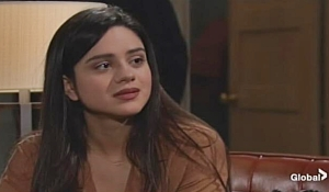 Lola confides in Rey on Young and Restless