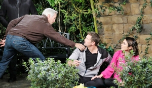 john stops chloe and brady days of our lives