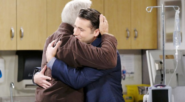 john hugs sonny on days of our lives