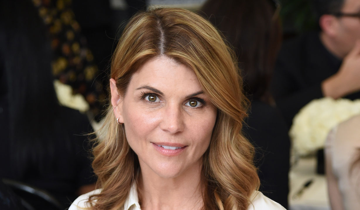 lori loughlin college scandal case