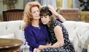 maggie cries with sarah days of our lives