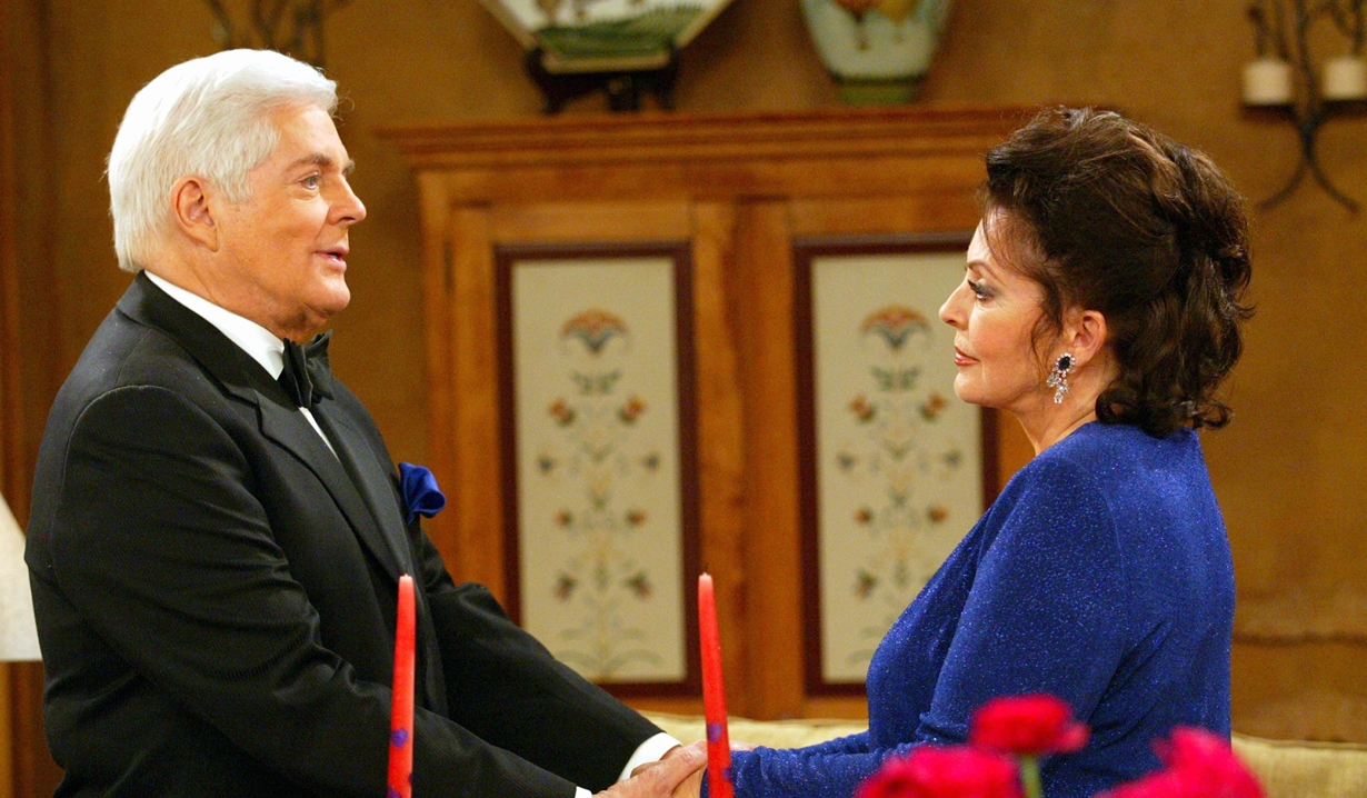 doug and julie hold hands days of our lives