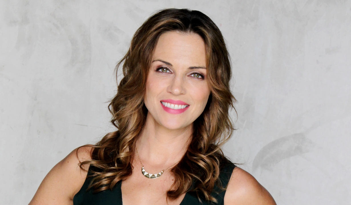 Beth Smiles Wicked Weasel young and the restless news: kelly sullivan celebrates