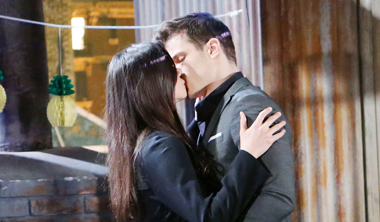 Kyle and Lola kiss on roof on Young and Restless
