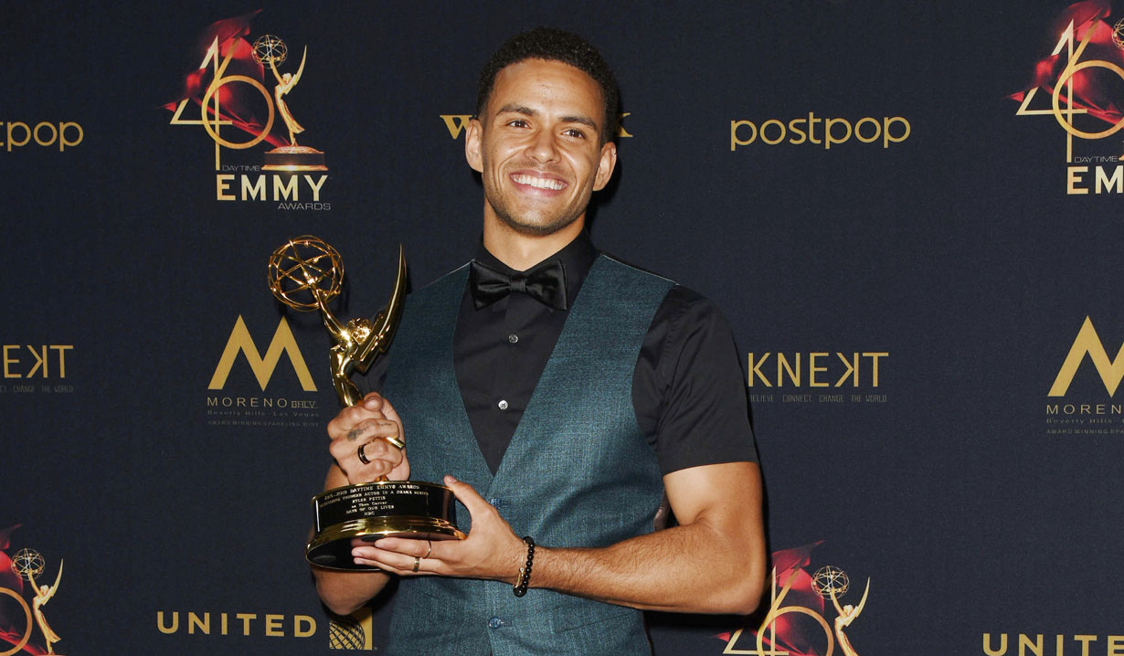Photos of 2019 Daytime Emmy Award Winners Backstage