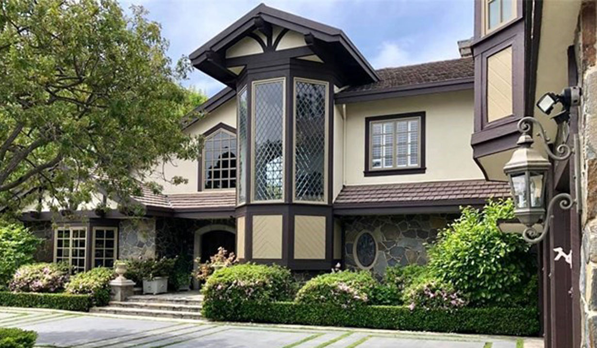 Photos of Melody Thomas Scott's Beverly Hills Manor For Sale