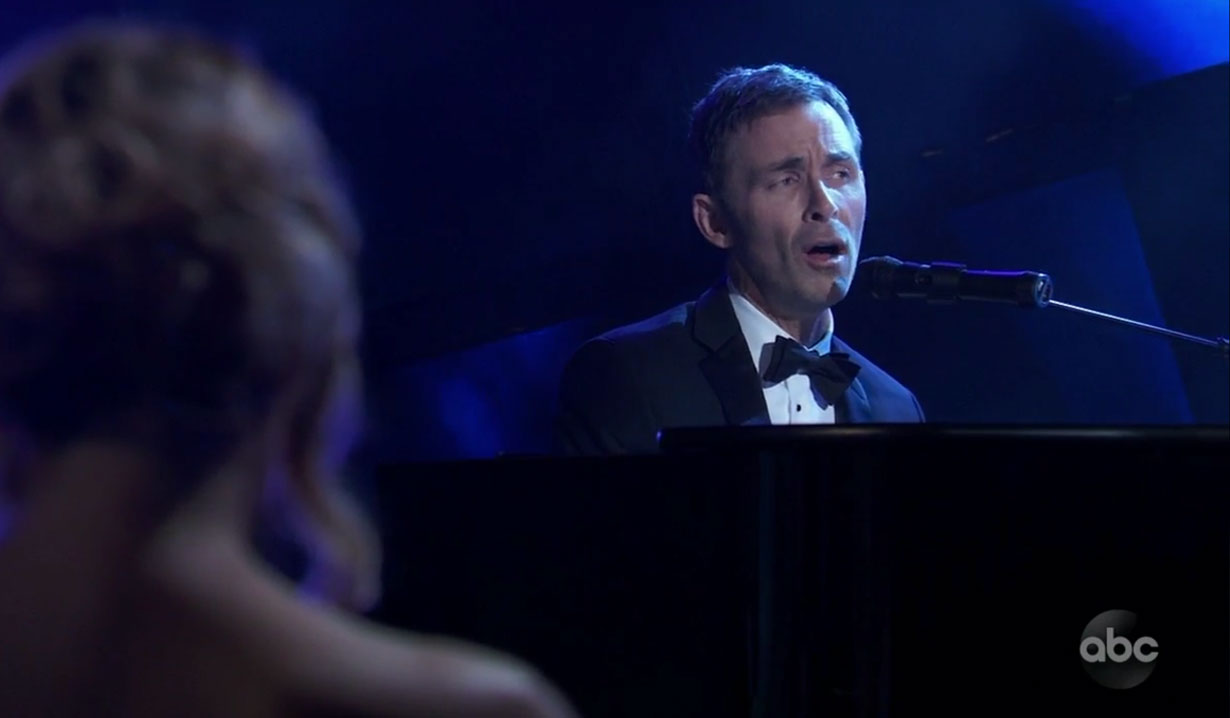 Valentin sings at the ball on General Hospital
