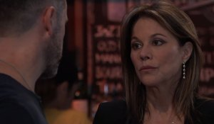Alexis listens to Julian at Charlie's on General Hospital