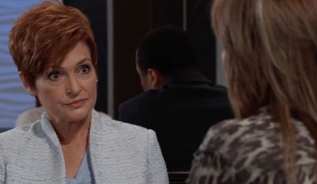 Diane and Alexis discuss love on General Hospital