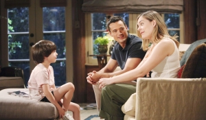 Hope and Thomas talk to Douglas on Bold and Beautiful