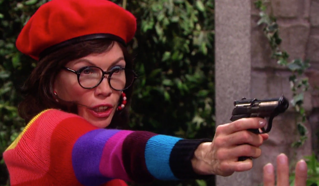 Kristen holds gun on Susan on Days of our Lives