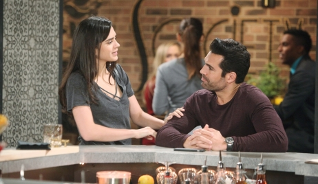 Lola talks to Rey on Young and Restless