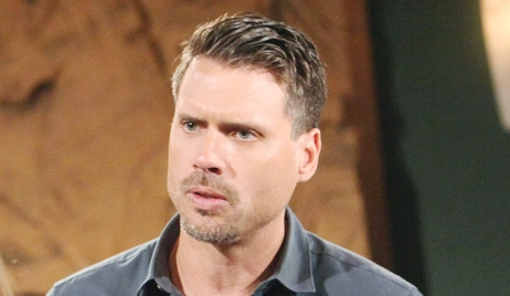Nick learns news from Rey Young and Restless
