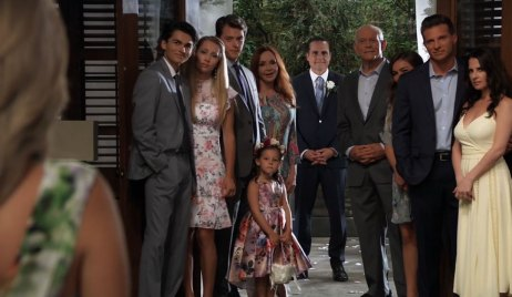 Carly and Sonny's family at their vow renewal General Hospital