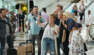 The cast takes a selfie on BH90210