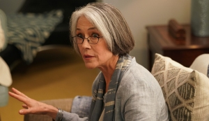 Carol Potter leads therapy on BH90210