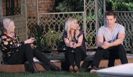 Maxie, Lulu and Dustin drink wine outside on General Hospital